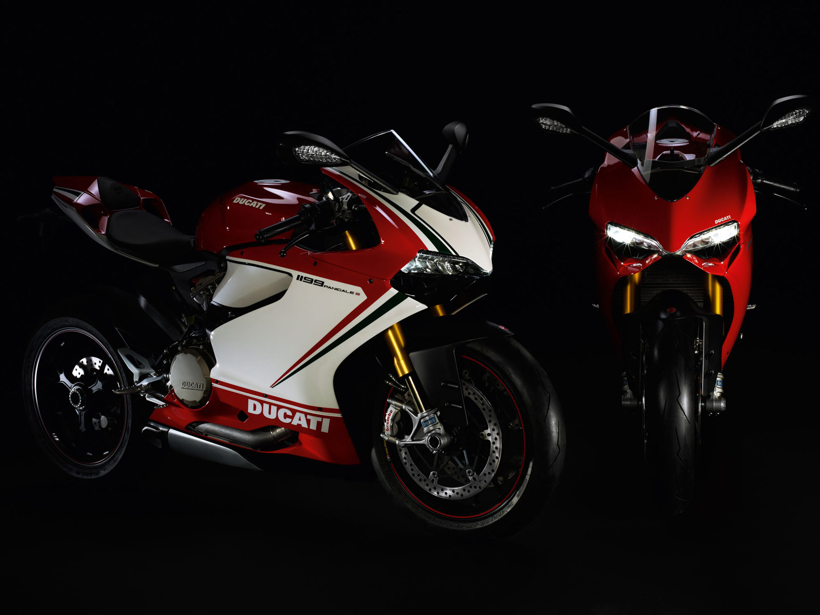 http://1.bp.blogspot.com/-8ps7jwnBa1s/Tw2Cip1K9ZI/AAAAAAAAGb0/T_pd6k1tblw/s1600/2012-Ducati-1199-Panigale-motorcycle-desktop-wallpaper_5.jpg