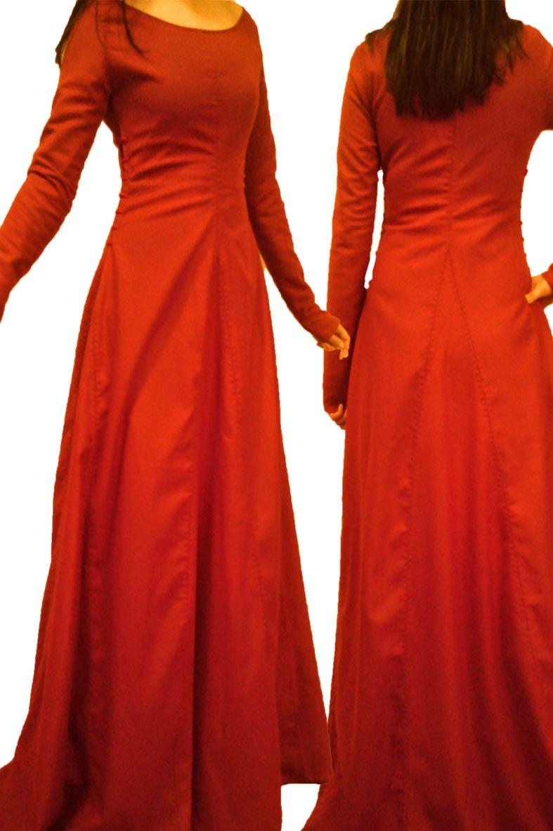 prosta wełniana suknia wiązana po bokach