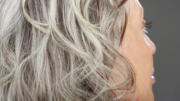 حيل سحرية ذكية وطبيعية لأخفاء الشعر الأبيض نهائياً دون صبغة !!!