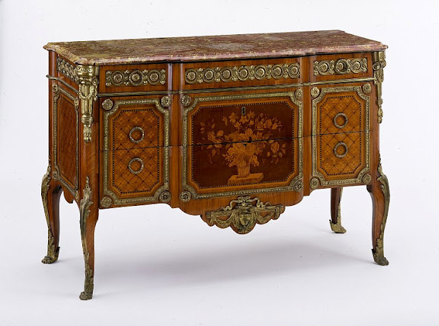 Commode, ca. 1770-1775, Victoria and Albert Museum, London