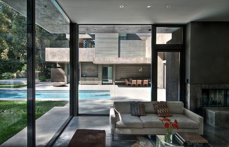 Glass walls on Dream Home by Chu+Gooding Architects
