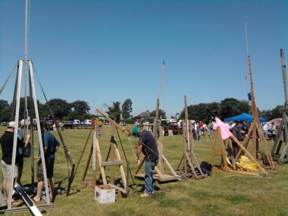 egg throwing trebuchet