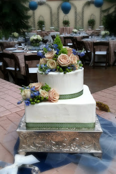 2-tier square and round buttercream