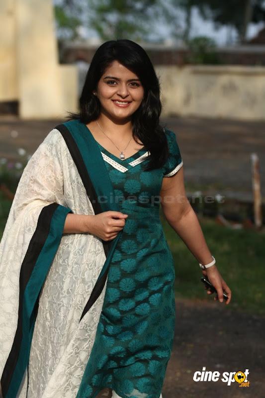 Roma Asrani  Malayalam movie actressSouth Actress photos gallery pictures