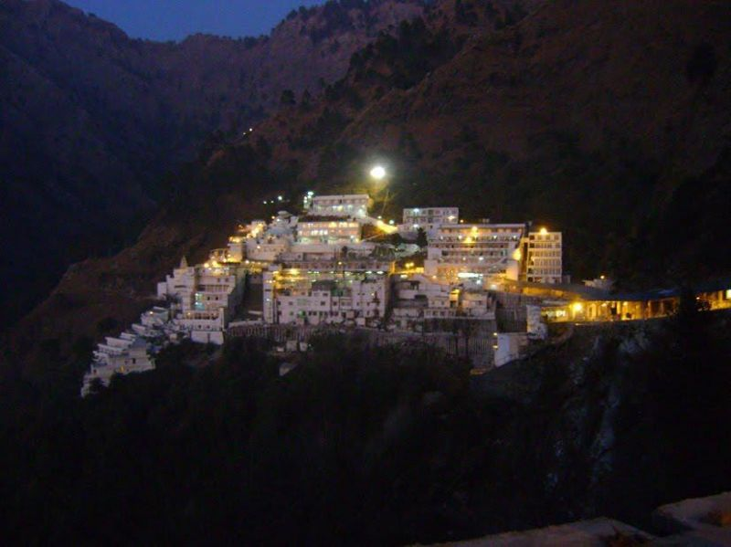 Maa Vaishno Devi Bhawan Darshan in Evening or Morning