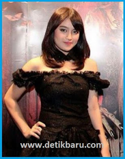 Nabilah JKT48 pemeran Mia Clark di film Sunshine Becomes You