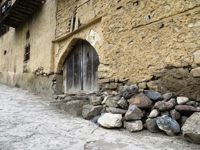Old doorway, Masouleh title=