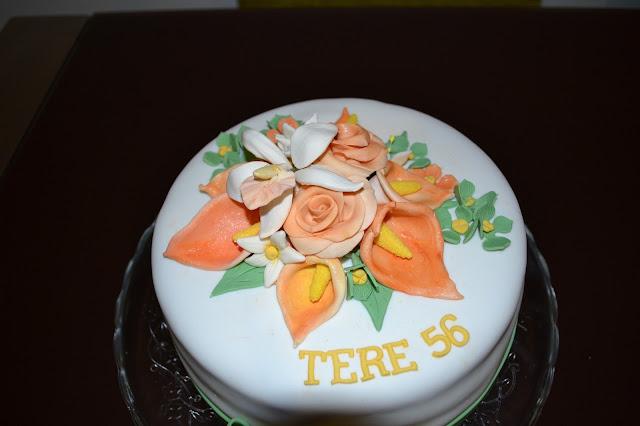 tarta Fondant bouquet Flores calas rosas hortensias y orquidea