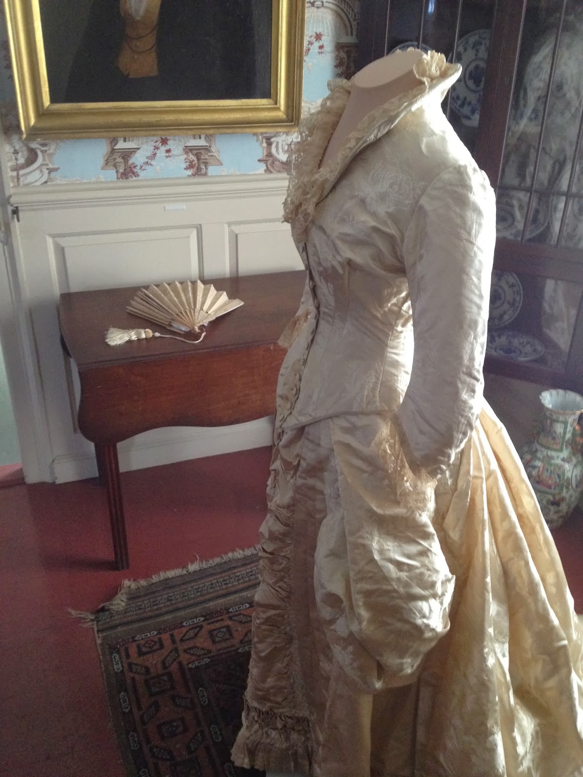 SilkDamask : In Situ: An 1881 Wedding Dress, Portsmouth, New Hampshire