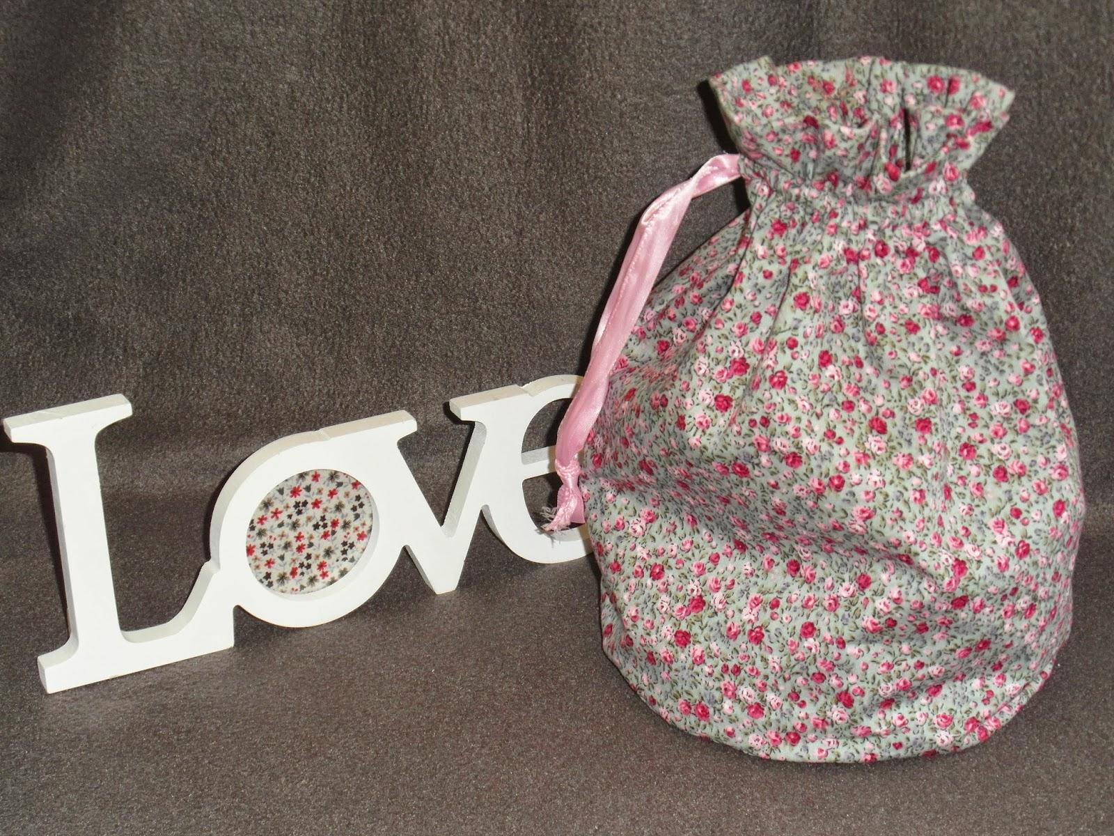 mimie cr ation sac pochon en tissu de coton liberty rose et gris. Black Bedroom Furniture Sets. Home Design Ideas