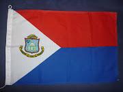 Sint Maarten sitt flagg (fransk side har fransk flagg).