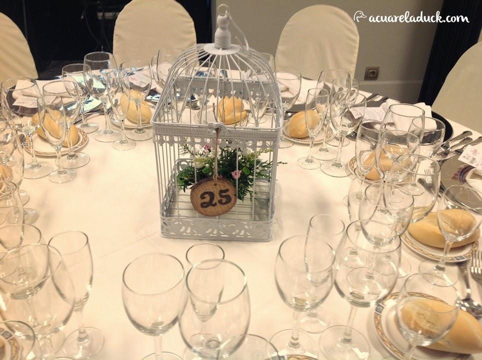 meseros boda jaula