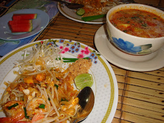 tom yum & pad tai