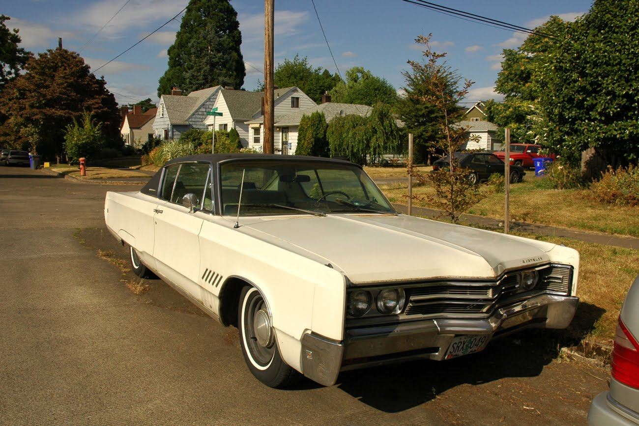 Old parked cars 1968 chrysler 300 september 24 2011 sciox Image collections