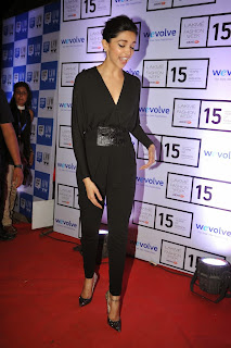 Actress Deepika Padukone Latest Pictures in Black Dress at Lakme Fashion Week 2015 9