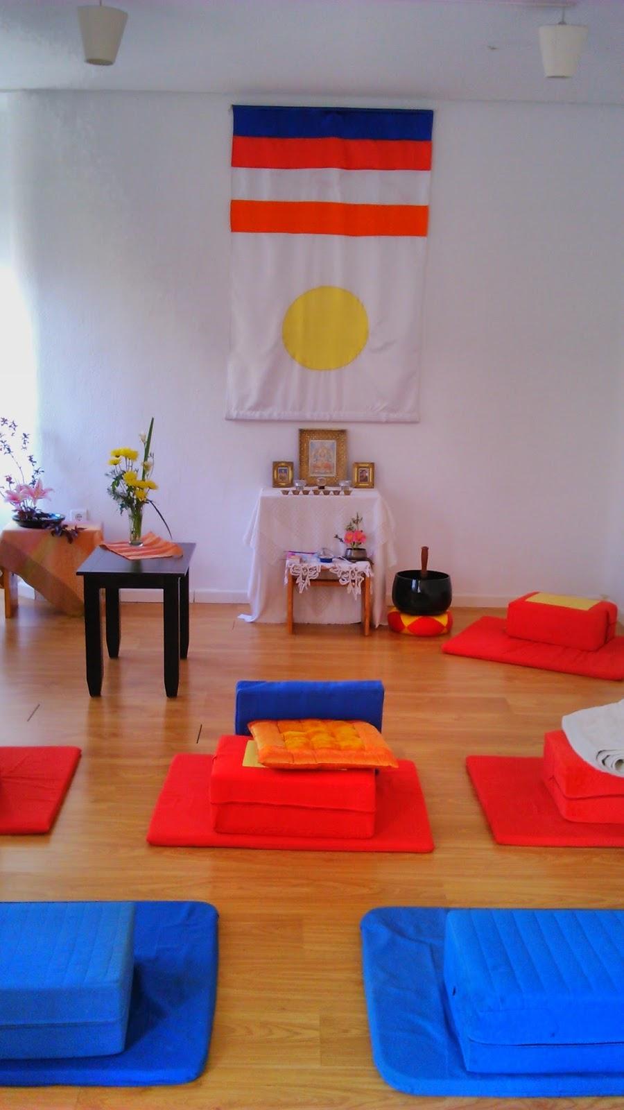 Yoga sala m laga meditaci n en yoga sala el domingo por - Salas de meditacion ...