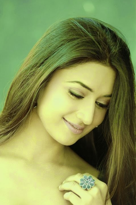 Divyanka Tripathi HD Wallpapers Free Download