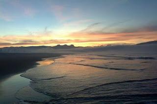Pantai Indah Teleng Ria di Pesisir Pacitan