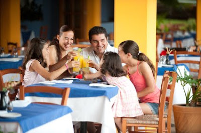 List of Restaurant's Offers for Free or Cheap Kids' Meals