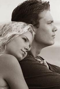 When-A-Man-Loves-A-Woman - علامات تدل ان المرأة تحبك