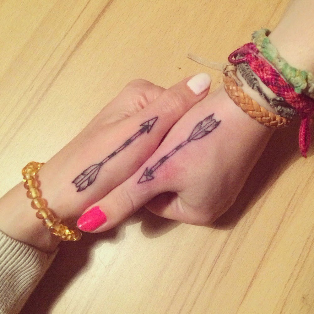 laesa leblog 2nd tattoo la fl che symbole d 39 amiti. Black Bedroom Furniture Sets. Home Design Ideas