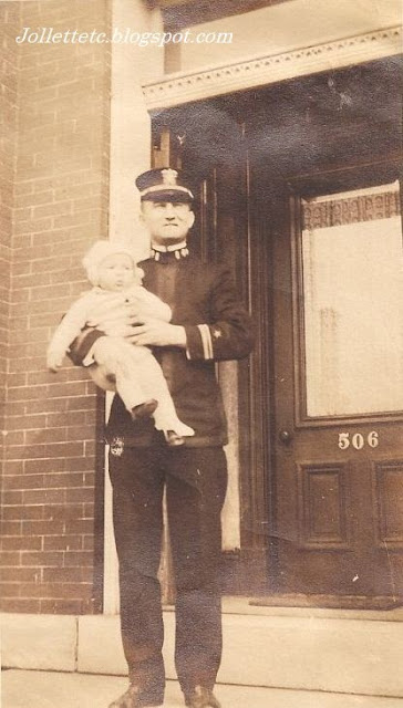Unidentified man with child New York 1918 from collection of Helen Killeen Parker