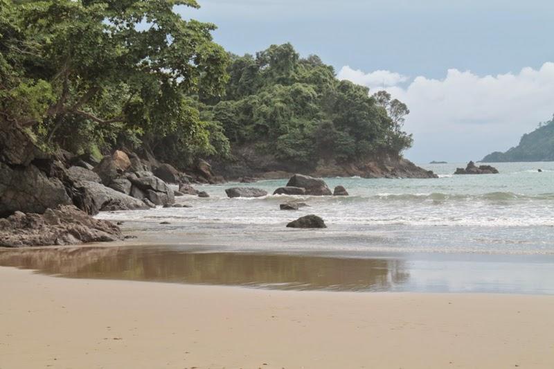 Salika Travel : Wisata Pantai Lenggoksono
