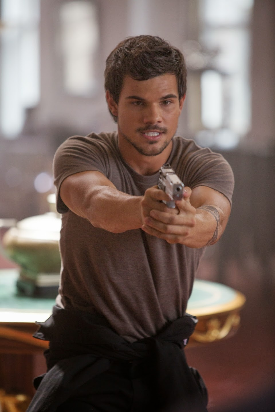 Digitista mediawave taylor lautner is wanted in tracers