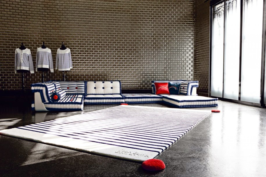 Total inspiration canape roche bobois by jean paul gaultier for Roche bobois canape lit
