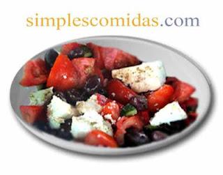 joriatiki ensalada griega