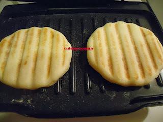 مقادير وطريقة تحضير بانيني بصدر الدجاج بالصور