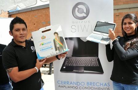 foto en el Alto La Paz Bolivia ensamblndo las computadoras Bolivianas Laptops - Quipus - cochabandido blog