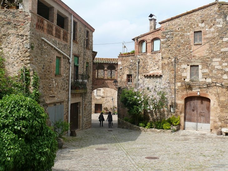 Casa-Museu Castell Gala Dalí de Púbol ~ km369  Viatges, rutes i llocs a desc...