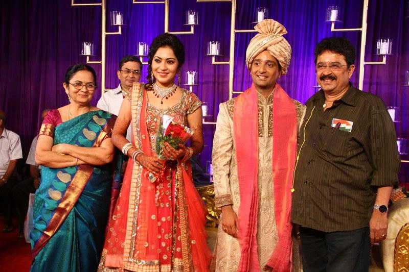 Vijay TV Anchor Ramya Subramanian   Aparajith Wedding Reception Photos