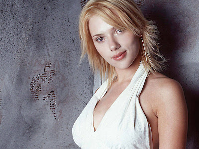 Scarlett Johansson Beautiful Wallpaper high hill