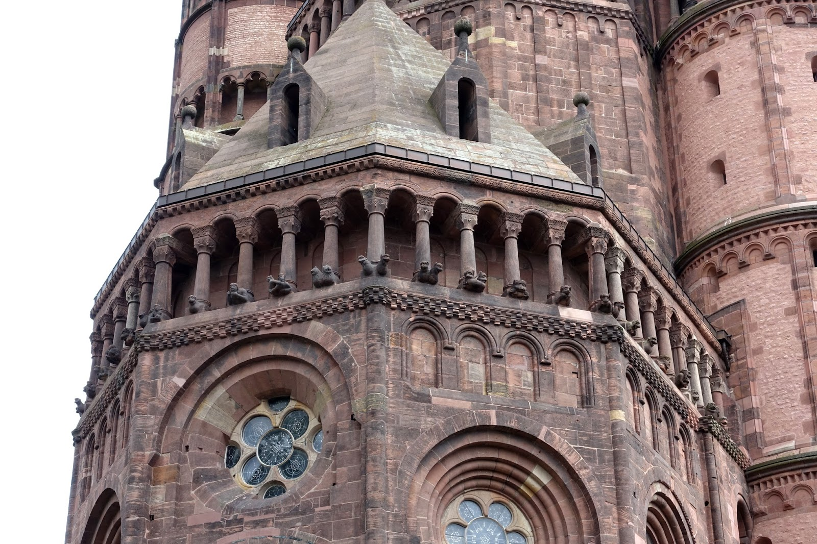 The Photo Below Is Taken In Nave Of Worms Cathedral Note That Windows And Arches Are Rounded Roman Aches Also Heavy Piers