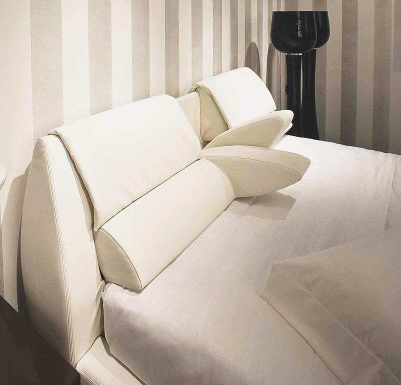 Riflessioni di una lady semiseria letti imbottiti con testata e cuscini reclinabili - Testata letto cuscini ...