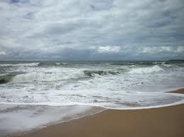 simpatia das 7 ondas na praia para pular