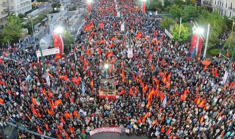 Χιλιάδες κόσμου στη μεγάλη συγκέντρωση του ΚΚΕ στην Αθήνα με ομιλητές τους Δ. Κουτσούμπα, Θ. Παφίλη και Ν. Σοφιανό
