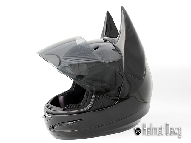 Capacete do Batman (lado) - Dark as Night - Helmet Dawg
