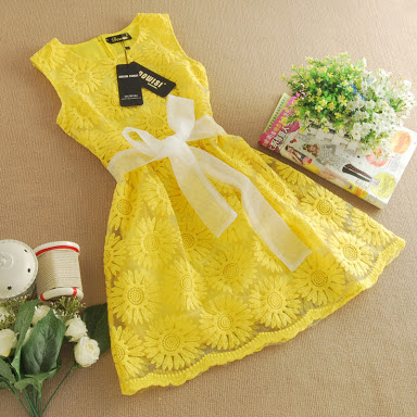 Why we love yellow, yellow, yellow dress, Sophiestylish.blogspot.com,girl, pretty girl, yellow-dress