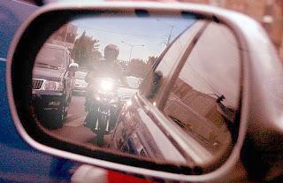 tips aman berkendara motor pada siang hari