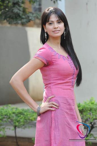 SEX KHANI: Bhabhi ko Dabaya - blogspot.com