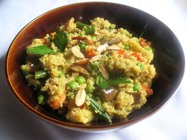 Quinoa with Almonds and Mixed Vegetables