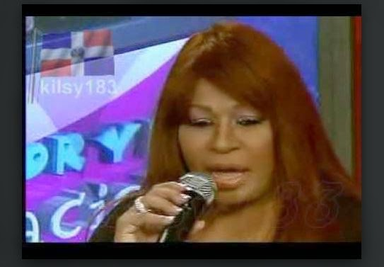 Cantante Dominicana denuncia daño estético tras cirugía