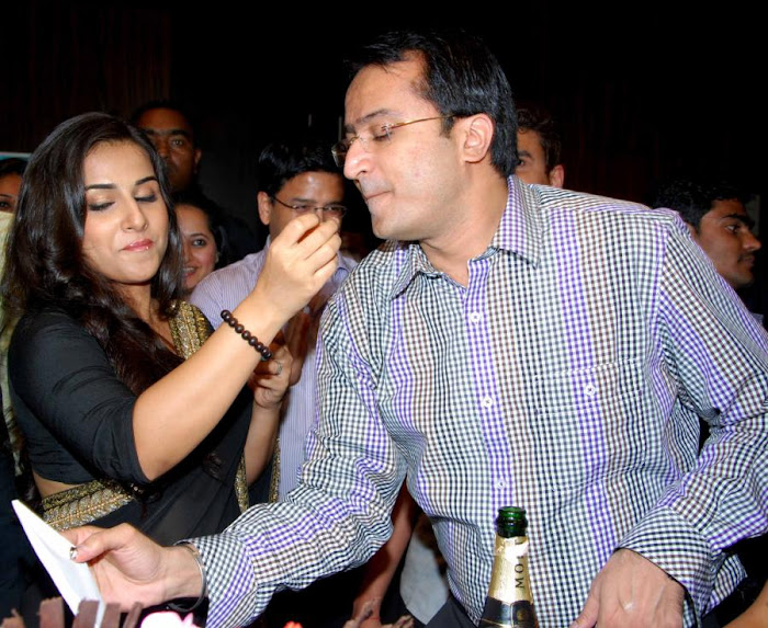Vidya Balan in Black Saree Photos at kahaani movie success party unseen pics