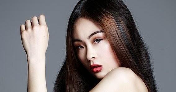Chacha Huang Nude Photos 58