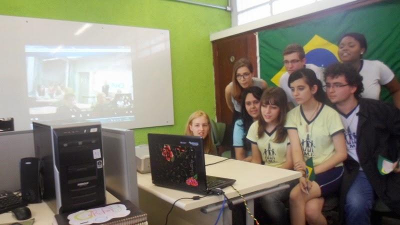 Vídeo conferência com alunos da  Finlândia