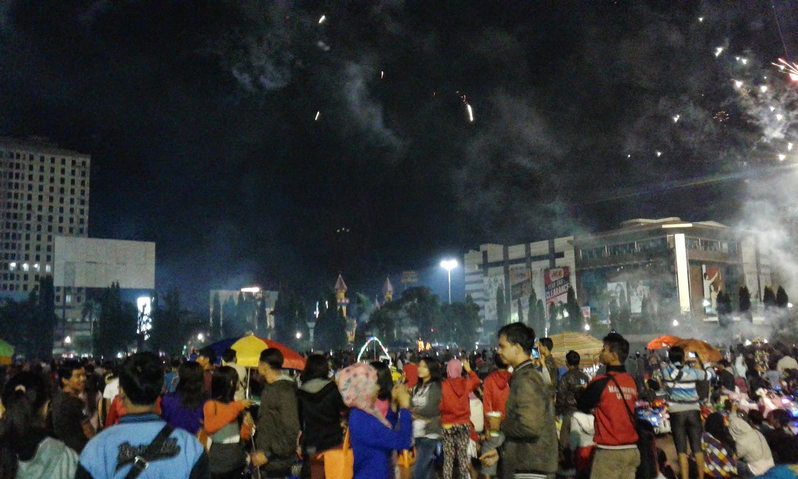 Selamat Tahun Baru 2015 Simpang Lima Semarang