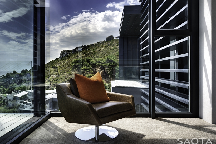 Glass wall with the view